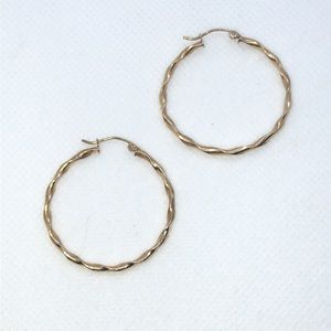 💛 10k Yellow Gold Vintage Twist Hoops